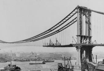 Manhattan Bridge Construction 1909, public domain